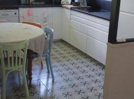 Pose carrelage imitation carreaux de ciment pour une cuisine à la campagne